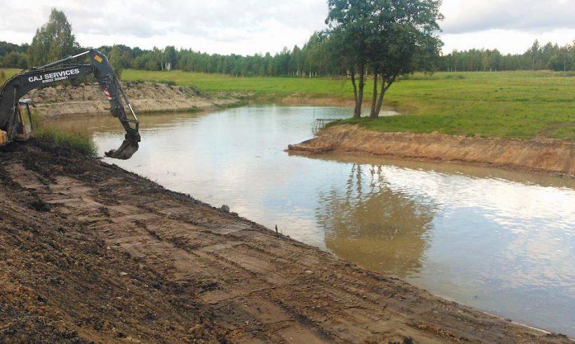 Tvenkinio didinimo darbai Molėtuose